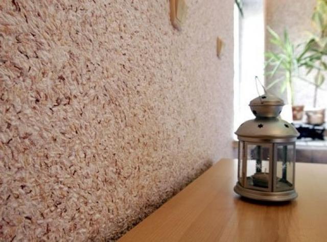 Техника нанесения материала на стены
