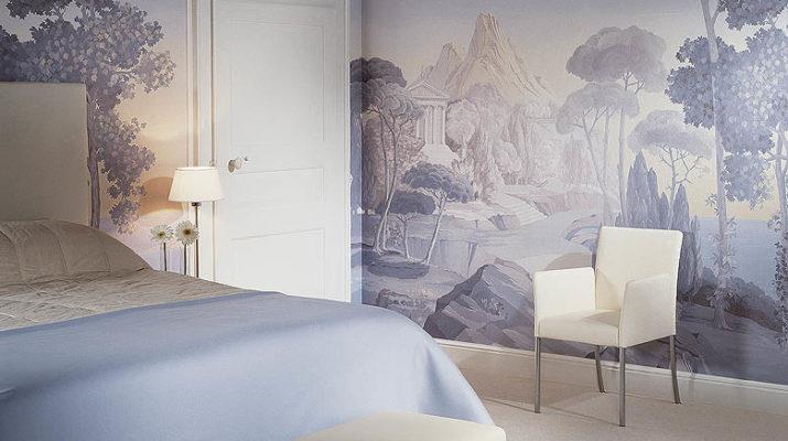 Оклейка стен обоями в квартире
