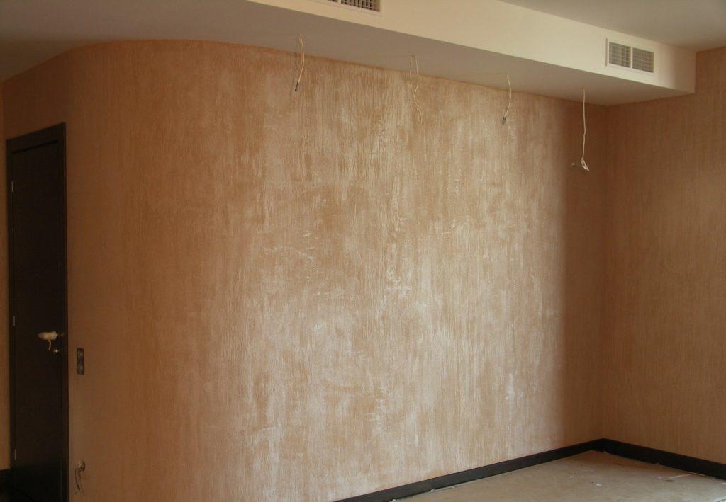 Оштукатуривание декоративным покрытием