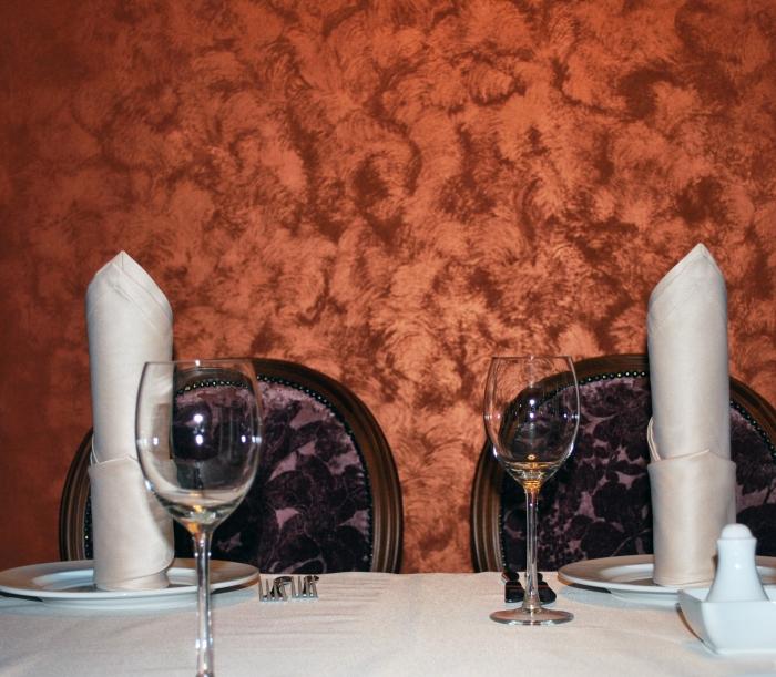 Декор столовой песочной краской
