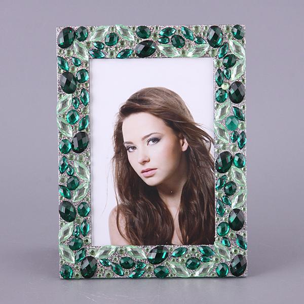 Зеленые камни декор для рамки с фото