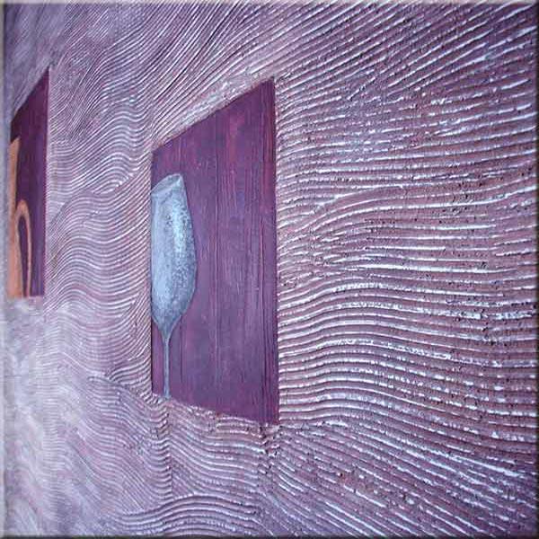 Фиолетовые волны по стене