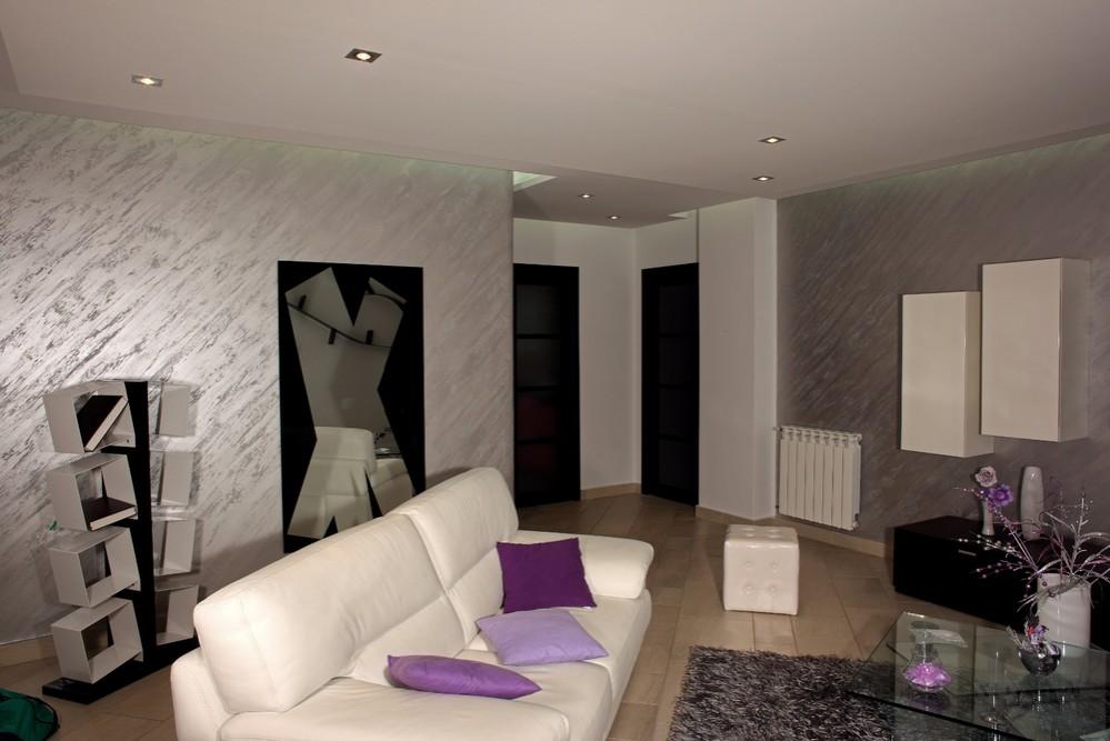 Серебряный песок в интерьере квартиры