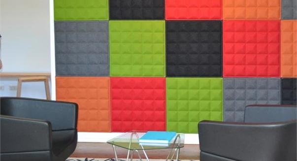 Цветная стена