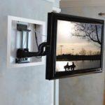 Теелвизор на стене