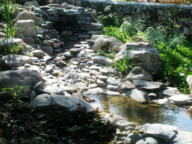 Садовые водопады и каскады своими руками фото
