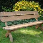 Как подобрать скамейку для сада