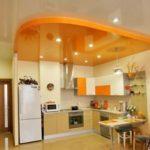 Выбираем вид потолка для кухни правильно