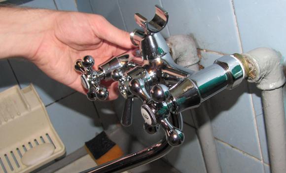 Как поменять кран в ванной своими руками пошагово 25