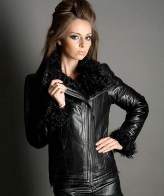 Изделия с мехом отлично смотрятся и подчеркивают индивидуальность человека.  Разновидность кожаных курток очень большая d032845ec0995