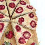 Банановые сконы с клубникой (Banana scones with strawberry)