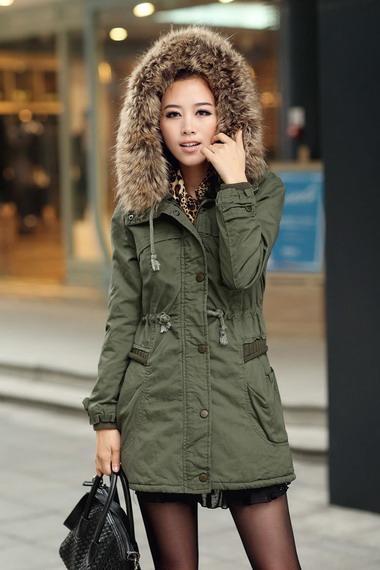 Стильные женские куртки зимние и на осень 2018 года  фото больших размеров  и миниатюрных кожаных моделей с описанием тенденций 03b90096401