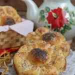 Сырные булочки Цветочки из дрожжевого теста