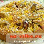 Быстрый сливовый пирог с маскарпоне и имбирем