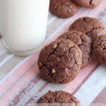 Шоколадное печенье с орехами – рецепт с фото