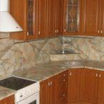 Чем отмыть фартук на кухне от жира и грязи?