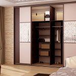 Основные виды шкафов купе в комнаты и их наполнение