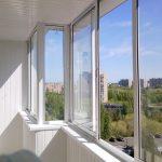 Остекление балкона и особенности его проведения