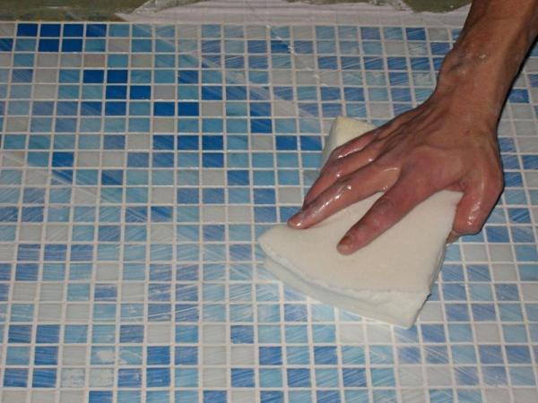 Как очистить швы между плиткой в домашних  85