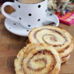 Печенье из слоеного бездрожжевого теста с сахаром и корицей