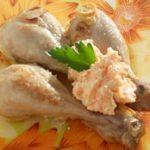 Курица маринованная запеченная с соусом рецепт с фото