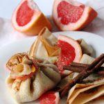 Блины с корицей и экзотической начинкой — грейпфрутом