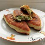 Пирожки с зеленым луком и яйцом — рецепт приготовления на сковородке