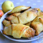 Творожные рогалики с яблочной начинкой — простой рецепт любимой выпечки