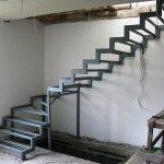 Лестницы из металла: их особенности и преимущества