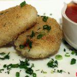 Зразы рисовые с грибами и томатным соусом