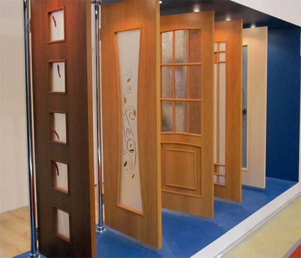 Шпонированные двери и их особенности