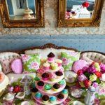 Сервировка стола на день рождения (49 фото): как красиво накрыть стол в домашних условиях, идеи для праздничного оформления