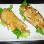Бутерброд с жареным куриным филе и помидорами — Кулинария для мужчин