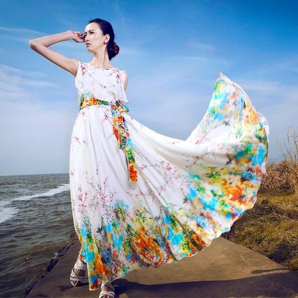 85b9ab5eba4 Для этого лучше всего подойдут сдержанные и элегантные платья – каждая  женщина сможет выбрать любую модель на свой вкус. Смотрите нашу подборку  фото новинок ...