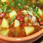 Картофельный суп с фасолью и тушенкой — рецепт