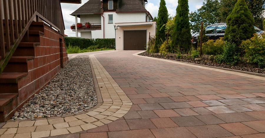 Стоит ли использовать тротуарную плиту для дачи