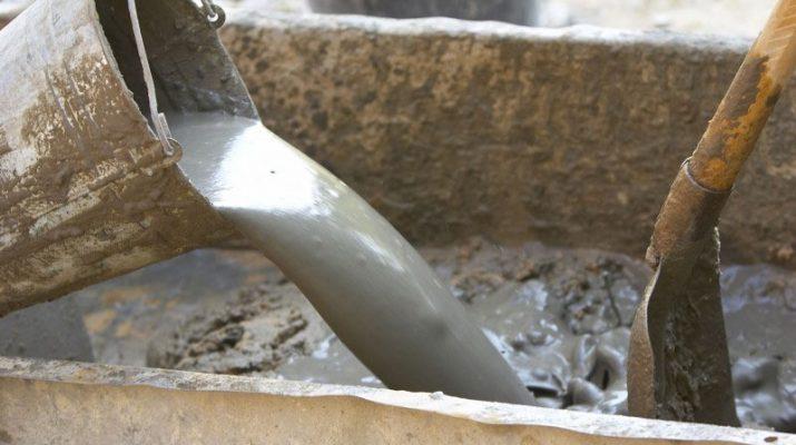 Как правильно смешивать цемент