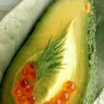 Мусс из авокадо с красной икрой — рецепт