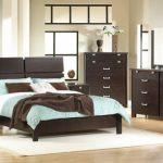 Какую мебель выбрать для спальни и как это сделать