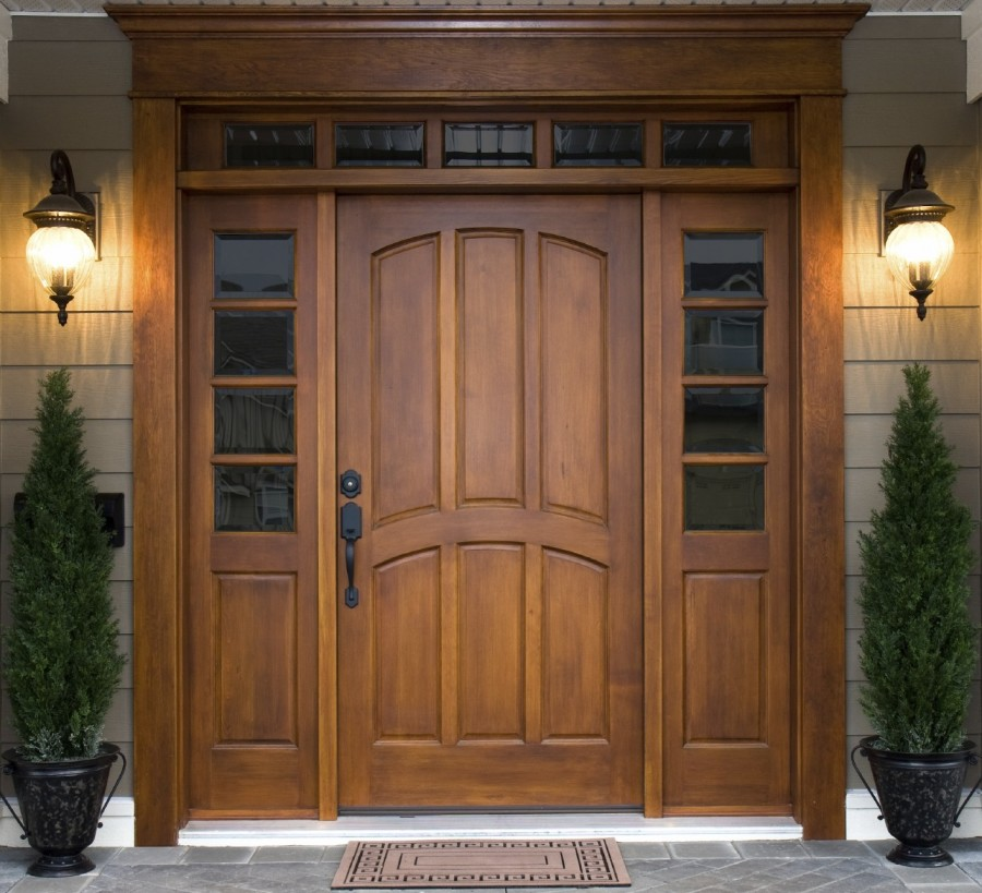 Стоит ли использовать деревянные двери