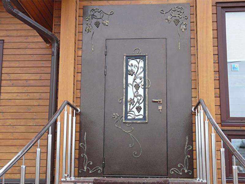 Выбор двери для частного дома