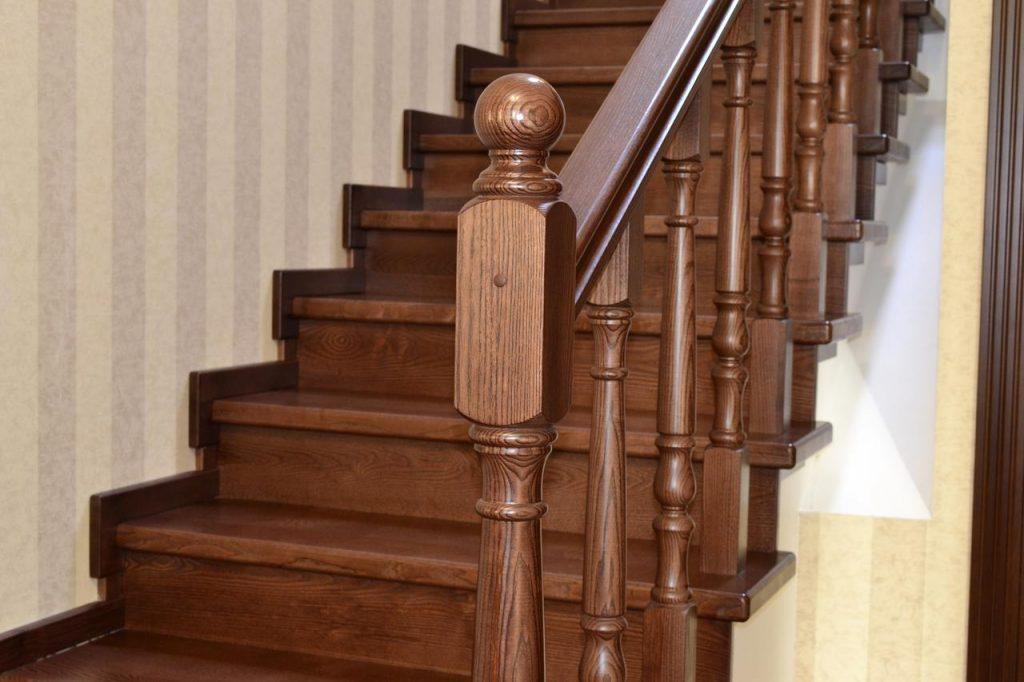 Критерии правильного выбора деревянной лестницы