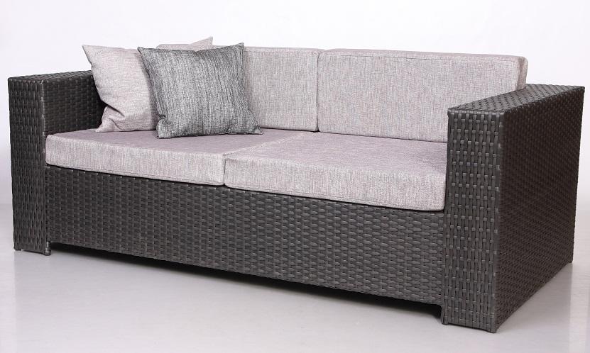 Преимущества диванов из ротанга
