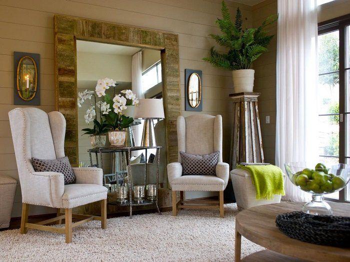 Как оригинально использовать зеркала в интерьере гостиной