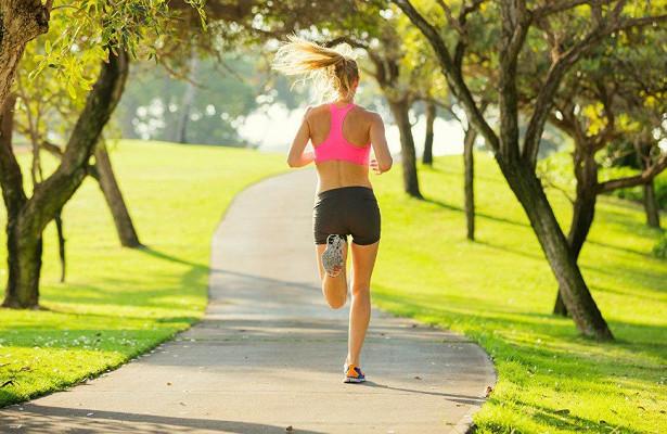 10 советов, которые помогут уберечь колени при беге