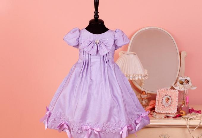 Как правильно выбрать платье для девочки