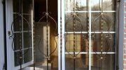 Виды решеток на окна по способу открывания