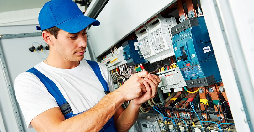 Как правильно выбрать хорошего электрика